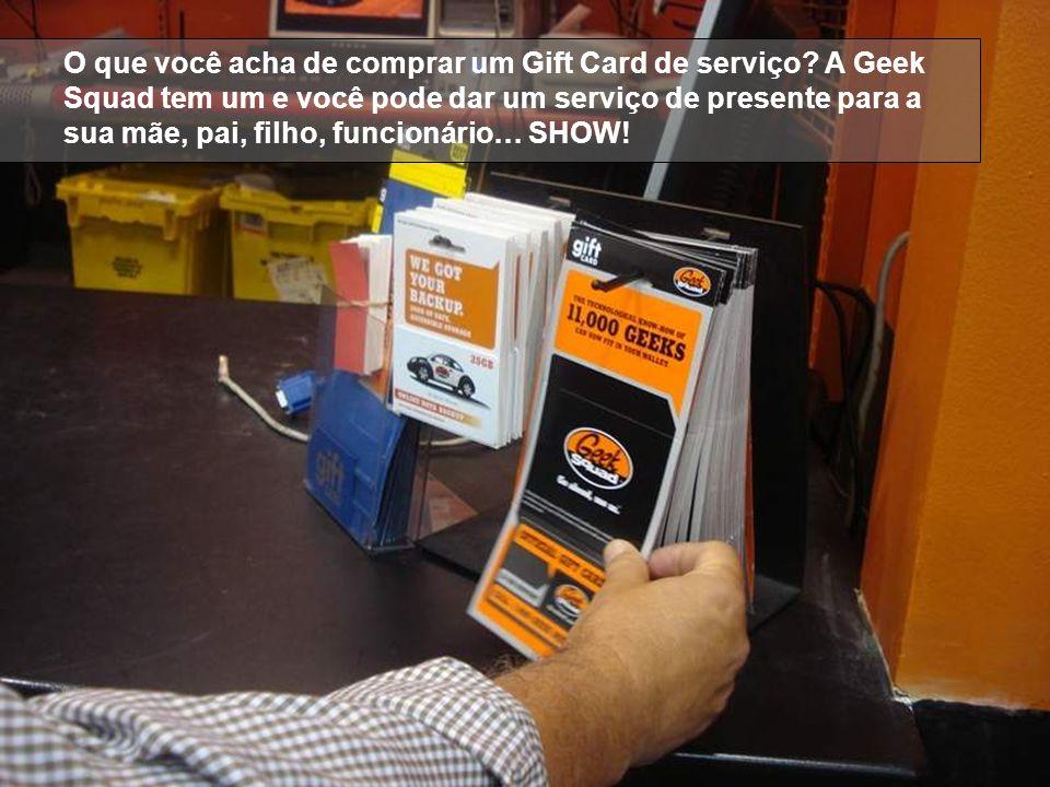 O que você acha de comprar um Gift Card de serviço? A Geek Squad tem um e você pode dar um serviço de presente para a sua mãe, pai, filho, funcionário