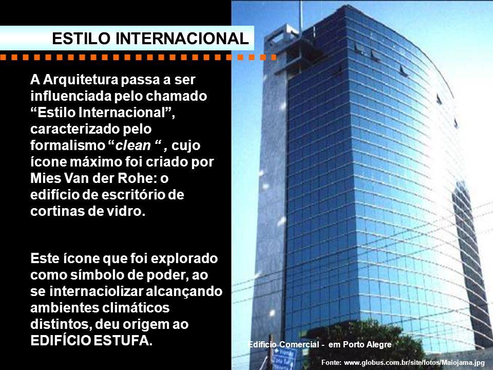 A Arquitetura passa a ser influenciada pelo chamado Estilo Internacional, caracterizado pelo formalismo clean, cujo ícone máximo foi criado por Mies V