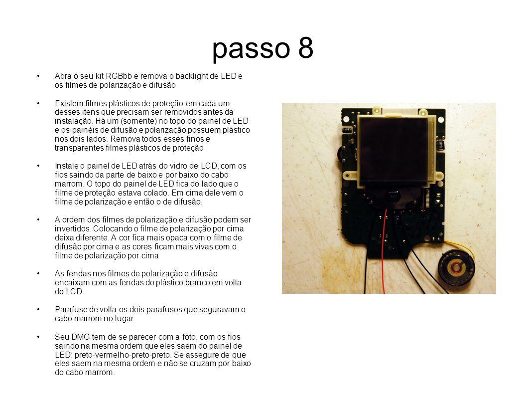 passo 8 Abra o seu kit RGBbb e remova o backlight de LED e os filmes de polarização e difusão Existem filmes plásticos de proteção em cada um desses i