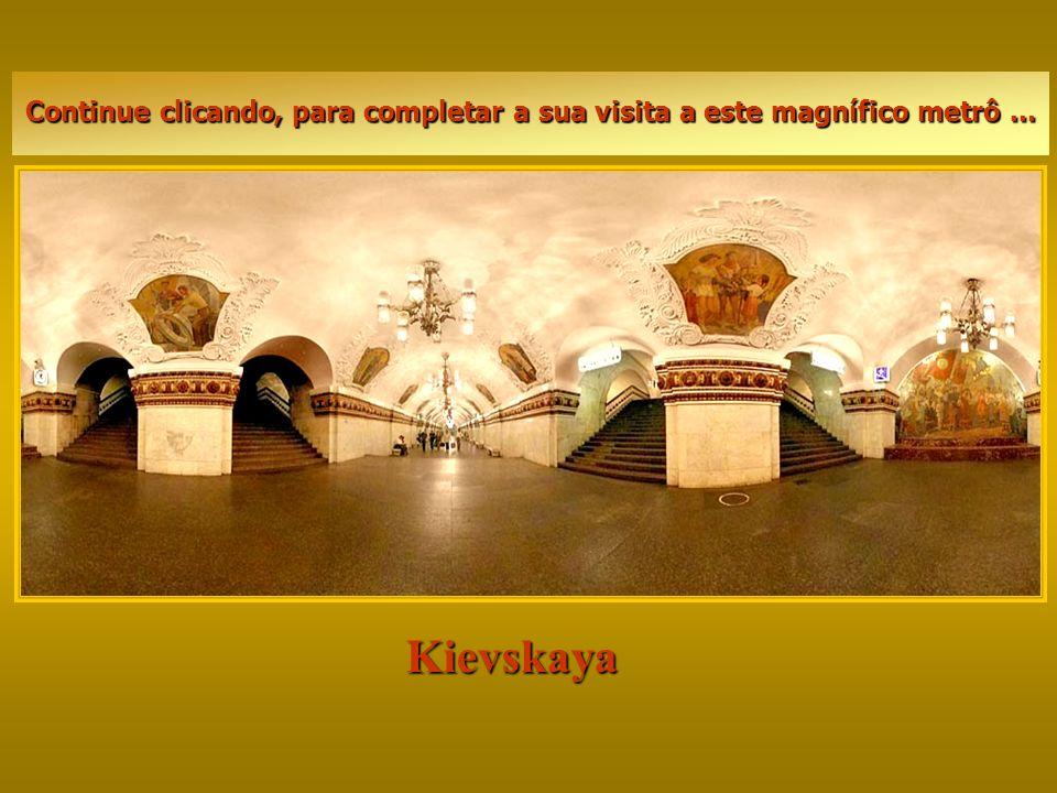 Kievskaya Ele funciona de 5:30 hs da manhã às 1:30 hs da madrugada, sendo os intervalos entre cada trem geralmente de um minuto, nos horários de pico.