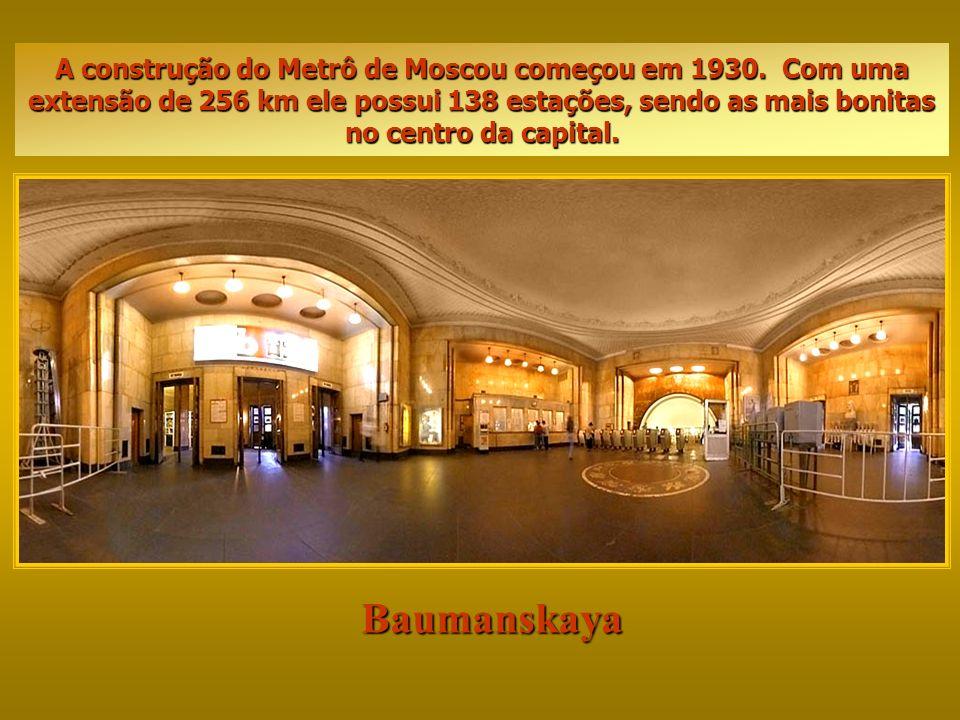 Baumanskaya A construção do Metrô de Moscou começou em 1930.
