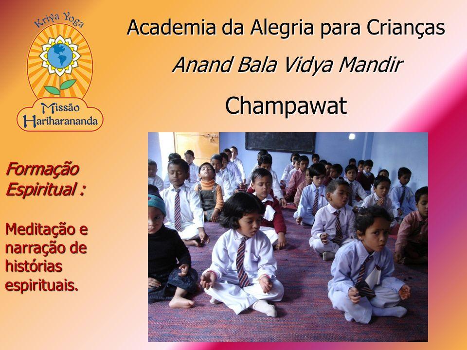 Formação Espiritual : Meditação e narração de histórias espirituais. Academia da Alegria para Crianças Anand Bala Vidya Mandir Champawat