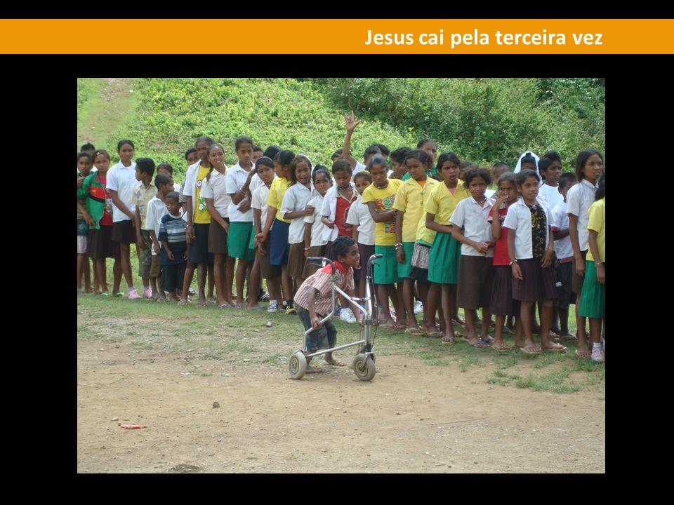 Jesus cai pela terceira vez