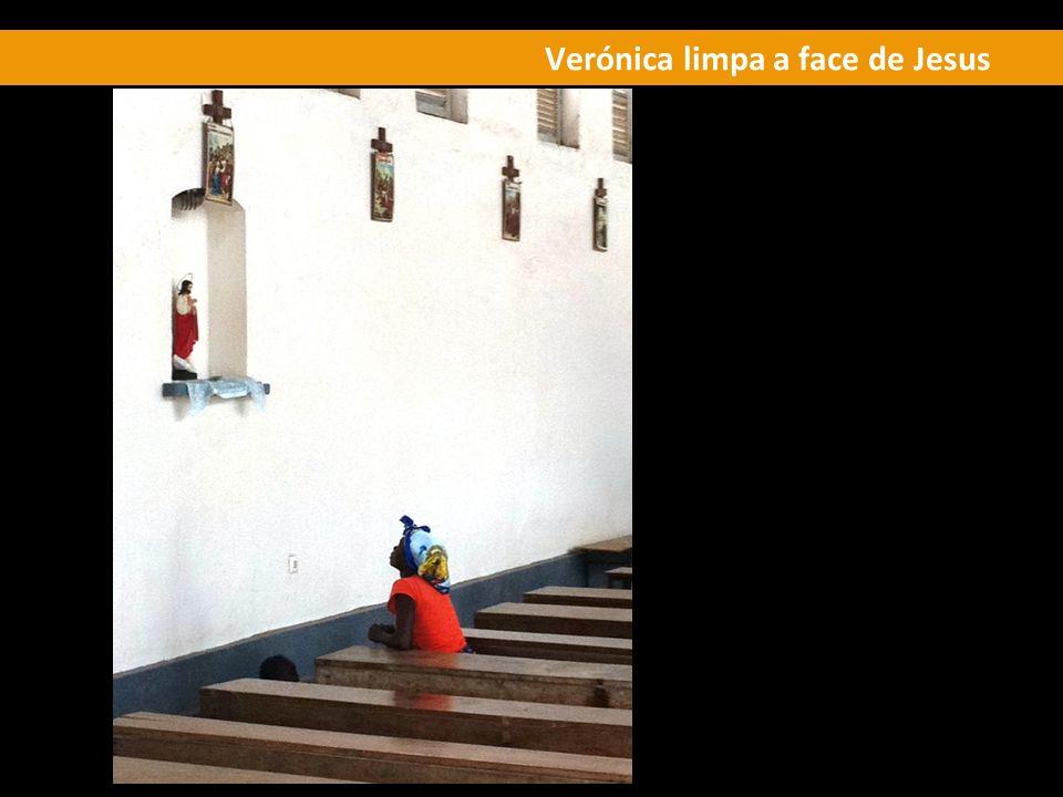 Verónica limpa a face de Jesus