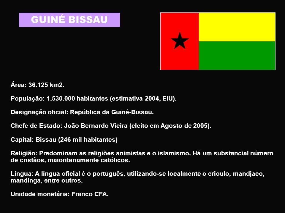 CABO VERDE Área: 4.033 km2 População: 511 mil habitantes (estimativa 2005) Designação oficial: República de Cabo Verde Chefe de Estado: Pedro Verona Rodrigues Pires (eleito Presidente da República em 2001 e reeleito em 2006).