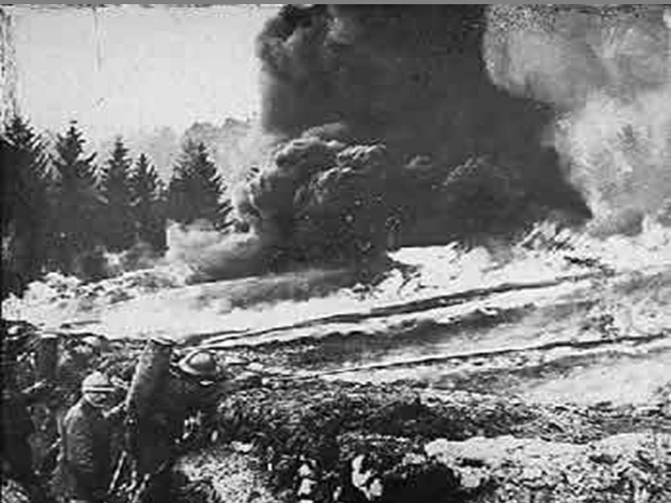O conflito originou elevadas perdas humanas, em especial na Europa (mais de 8 milhões de mortos e 6,5 milhões de inválidos). Em algumas regiões ficou