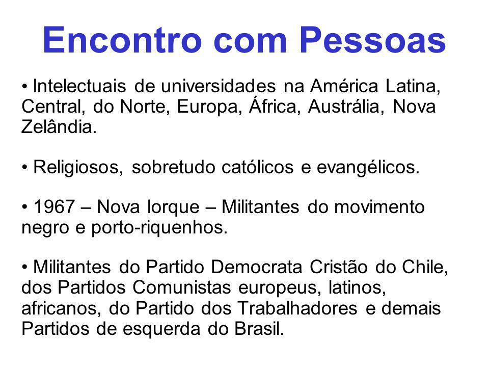 Intelectuais de universidades na América Latina, Central, do Norte, Europa, África, Austrália, Nova Zelândia. Religiosos, sobretudo católicos e evangé