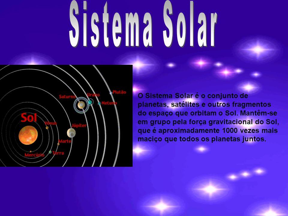 O Sistema Solar é o conjunto de planetas, satélites e outros fragmentos do espaço que orbitam o Sol. Mantêm-se em grupo pela força gravitacional do So