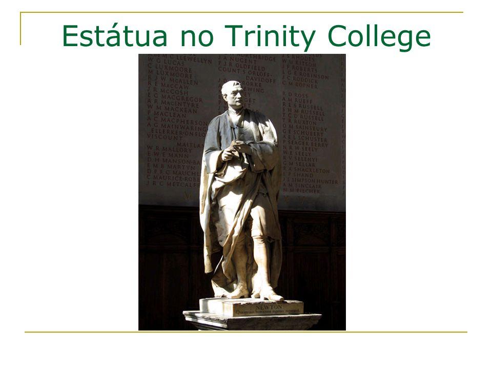 Estátua no Trinity College