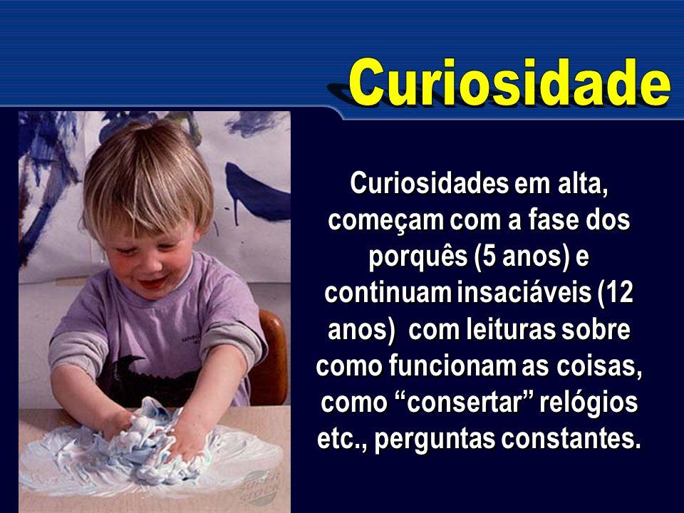Curiosidades em alta, começam com a fase dos porquês (5 anos) e continuam insaciáveis (12 anos) com leituras sobre como funcionam as coisas, como cons