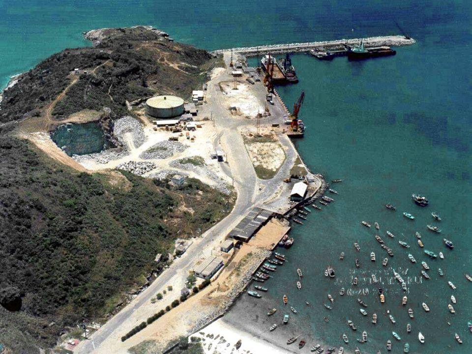 PORTO DO FORNO – ARRAIAL DO CABO (RJ) 31 DE MARÇO DE 2009 45 O Porto do Forno está localizado na extremidade norte da Praia dos Anjos, junto ao Morro
