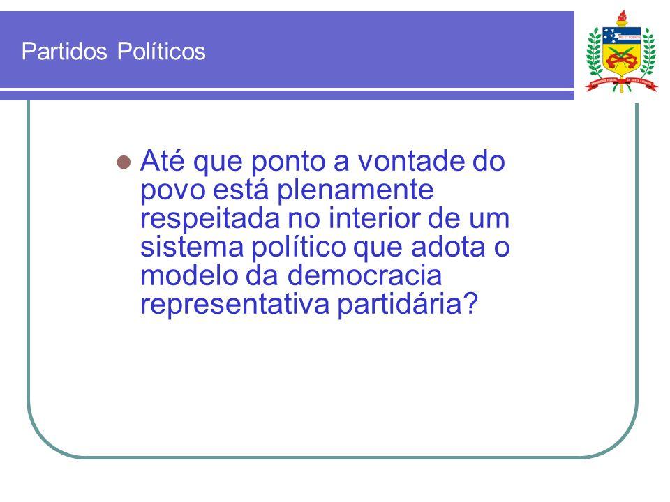 Democracia A questão que permanece em aberto é se os mecanismos adotados pelas Constituições dos paises democráticos são suficientes ou não para garantir a efetiva representatividade do conjunto da Sociedade em relação às decisões políticas dos governantes?