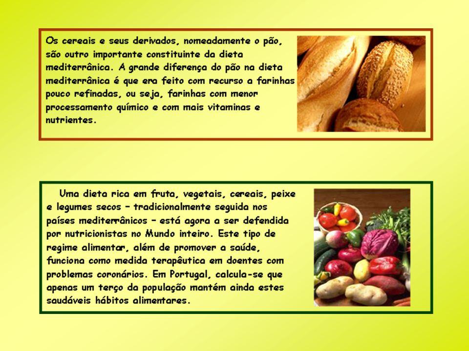 Conclusão Assim, podemos concluir que uma alimentação baseada na Dieta Mediterrânica é ideal para os jovens, já que é uma dieta variada e saudável que lhes pode fornecer os nutrientes e energia necessária ao seu metabolismo e actividades.