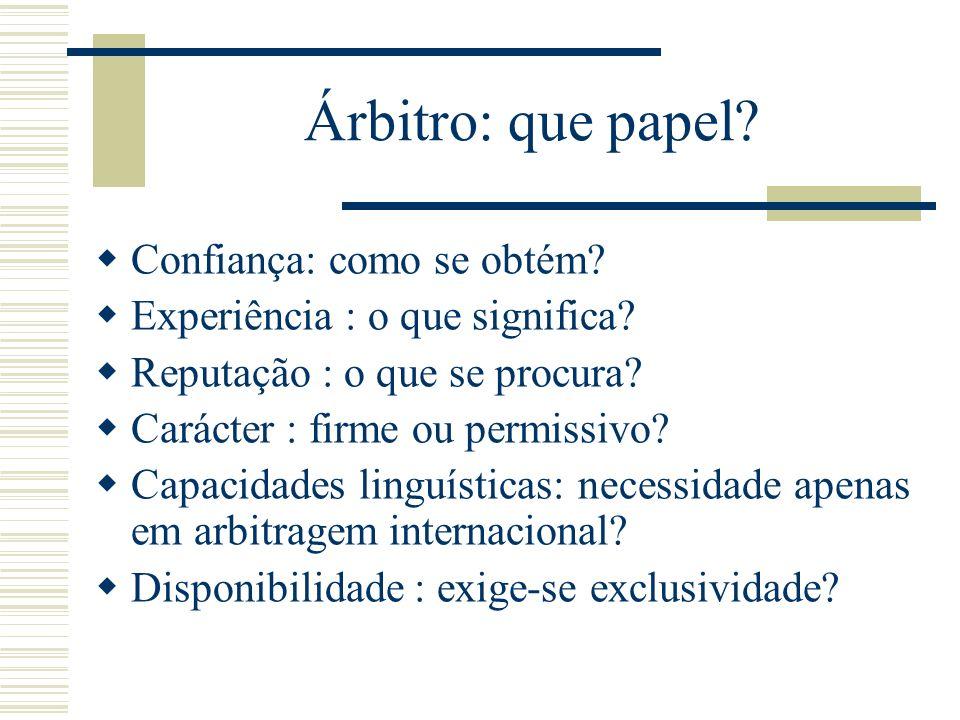 Árbitro: que papel.