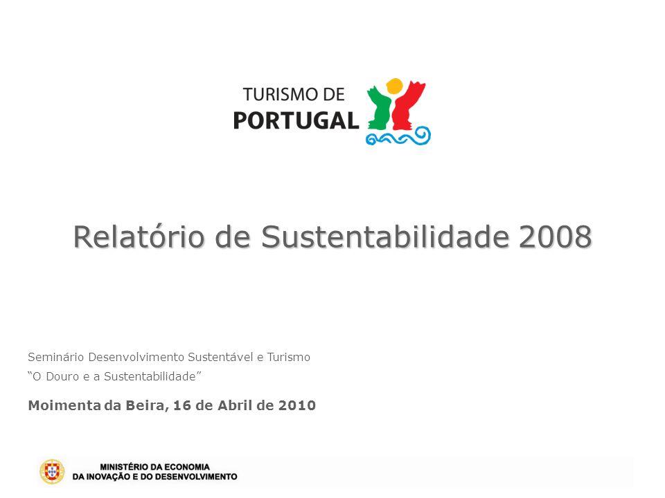 Relatório de Sustentabilidade 2008 Primeiro Instituto Público em Portugal a avaliar o seu desempenho e impacto na sustentabilidade do sector; O benchmark realizado permitiu concluir que o Turismo de Portugal e o seu congénere da Suécia (Visit Sweden), são as primeiras entidades a nível mundial a apresentar um Relatório de Sustentabilidade; Seguindo as directrizes da Global Reporting Iniciative, o 1º Relatório de Sustentabilidade faz a avaliação anual do desempenho económico, ambiental e social do Turismo de Portugal, relativo a 2008, bem como do sector do Turismo.