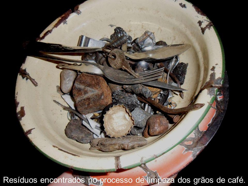 Resíduos encontrados no processo de limpeza dos grãos de café.
