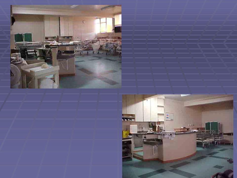 NÚMERO DE PROFISSIONAIS NA SRPA 01 técnico de enfermagem para cada 02 leitos.