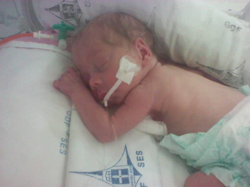 o efeito de 1 dose única de bicarbonato infundida durante reanimação neonatal de recém- nascidos (RN) que receberam ventilação com pressão positiva prolongada no estado ácido-básico subseqüente.
