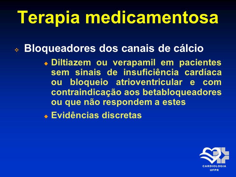 Terapia medicamentosa Inibidores da enzima conversora da angiotensina Foram mais efetivos nos subgrupos de maior risco, como disfunção ventricular sintomática, infarto de parede anterior, taquicardia e antecedente de infarto prévio Pacientes de menor risco também se beneficiaram dessa forma de tratamento