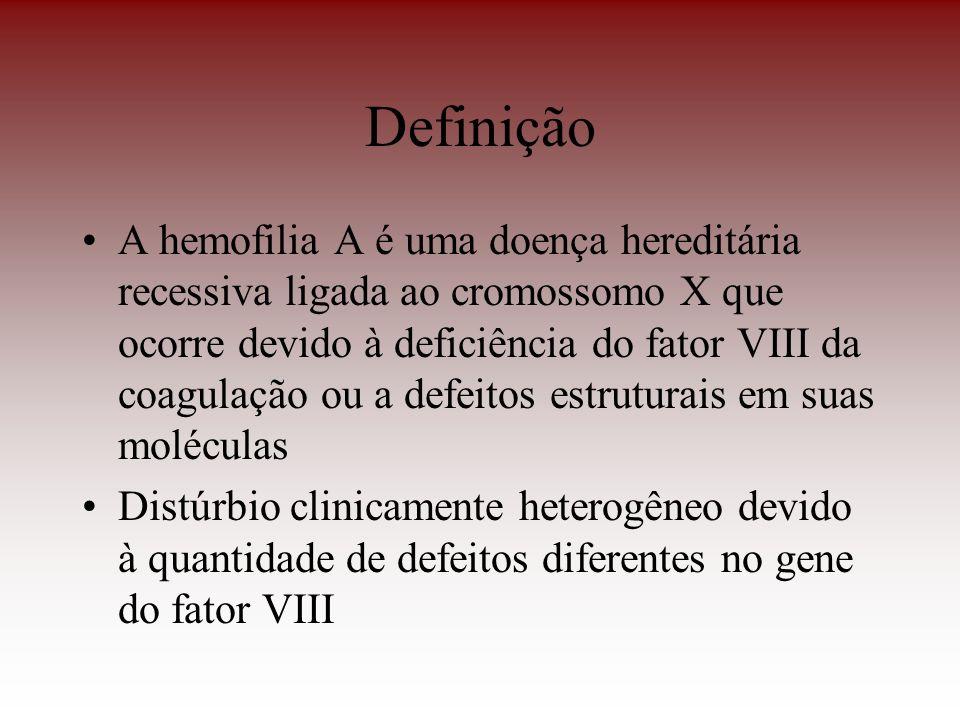 Definição A hemofilia A é uma doença hereditária recessiva ligada ao cromossomo X que ocorre devido à deficiência do fator VIII da coagulação ou a def