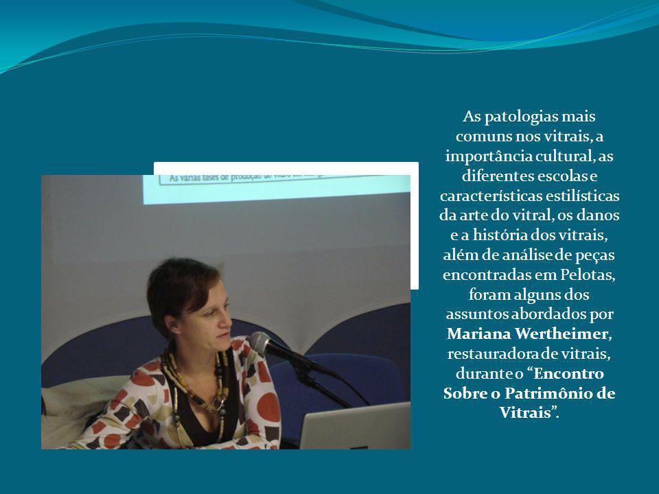 As discussões foram realizadas a partir de exposição dialogada de Mariana Wertheimer, acompanhada de uma exposição com ferramentas de trabalho e uma série de painéis que explicavam as questões relativas a história, conservação e restauro dos Vitrais.