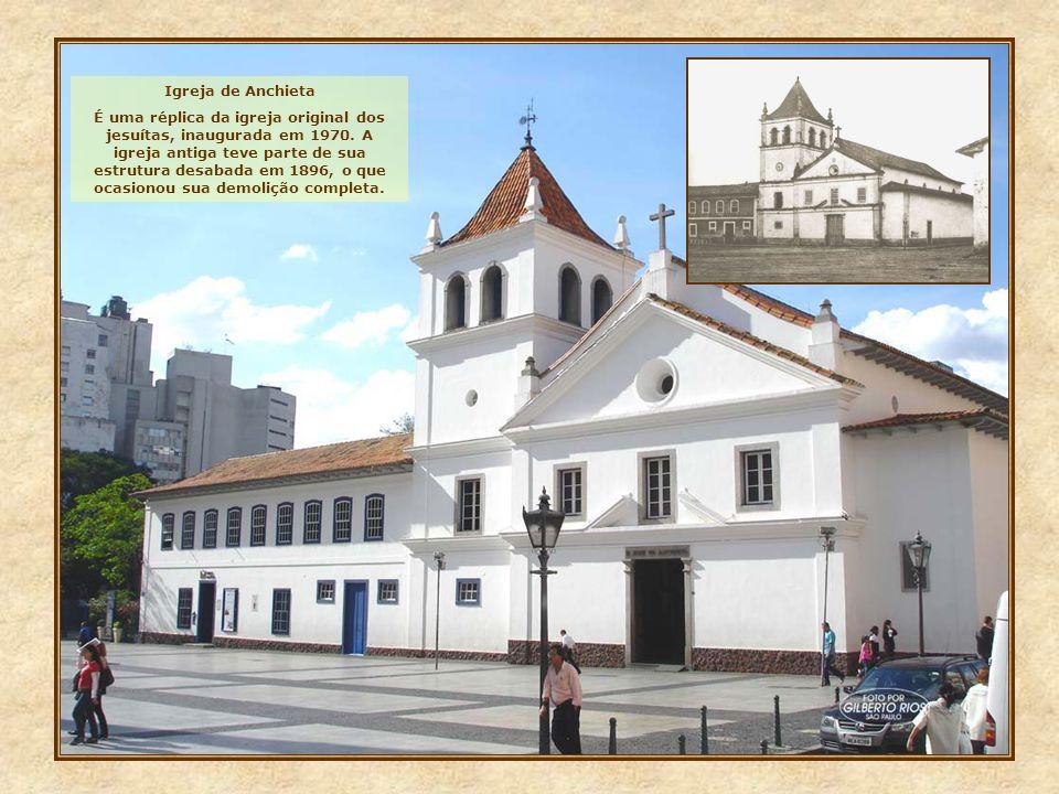 Igreja de Anchieta É uma réplica da igreja original dos jesuítas, inaugurada em 1970. A igreja antiga teve parte de sua estrutura desabada em 1896, o