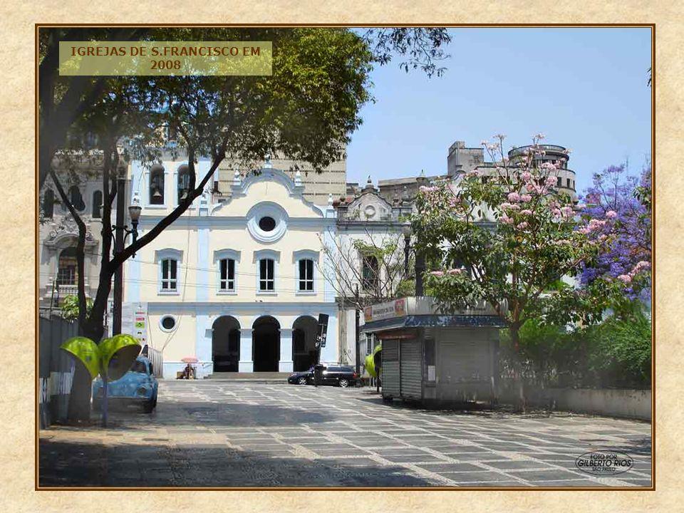 Ainda na praça João Mendes, na esquina com o largo 7 de Setembro, encontramos este imponente edifício, digno de nota.
