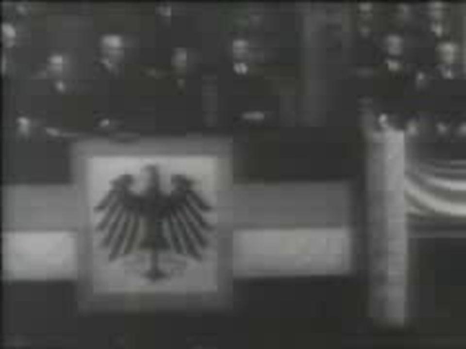 1919-1924 - inflação desemprego (23 - Putsch de Munique) Prisão de Hitler e elaboração de Mein Kampf(Minha Luta)