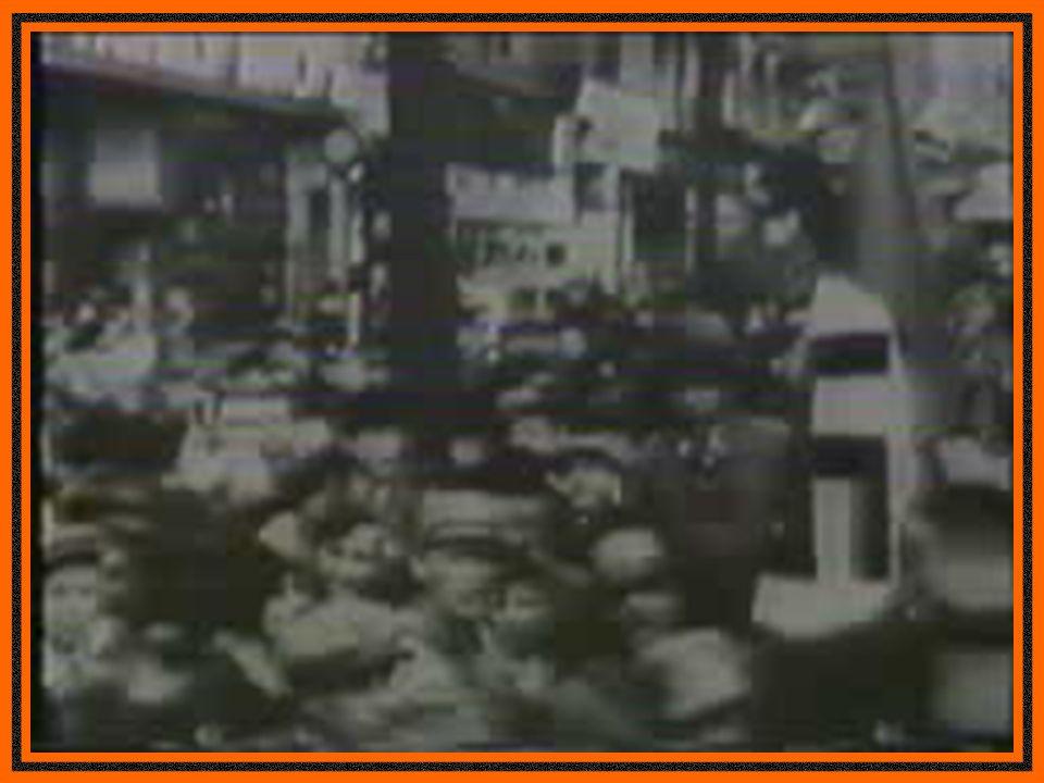 1935 - Leis Raciais de Nuremberg.