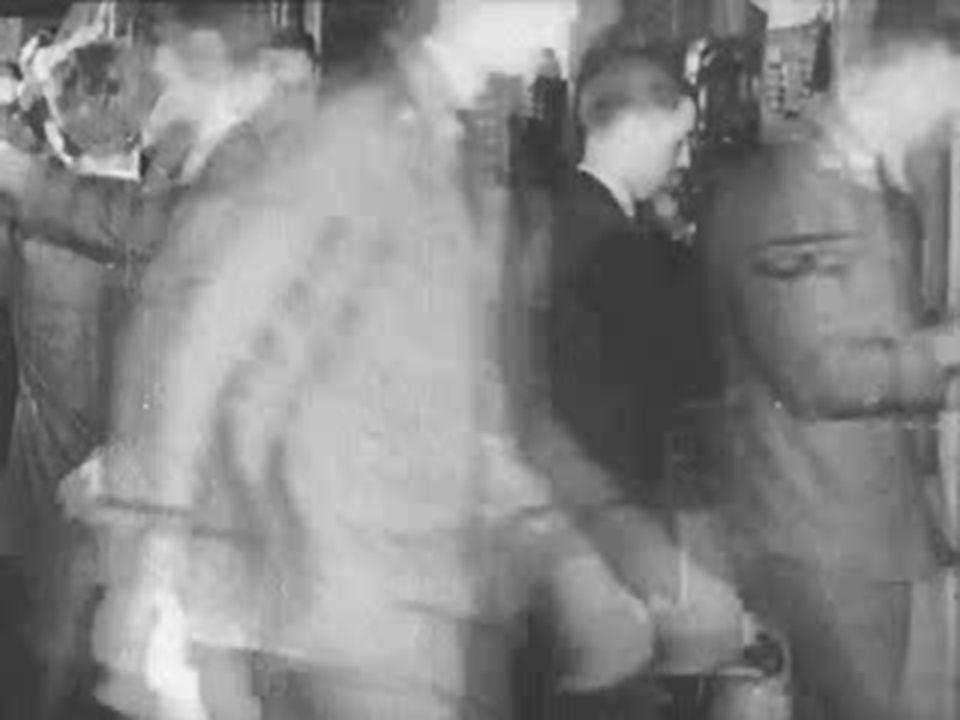 Crack da Bolsa de Nova York (24/10/1929) – milhões de títulos colocados à venda.
