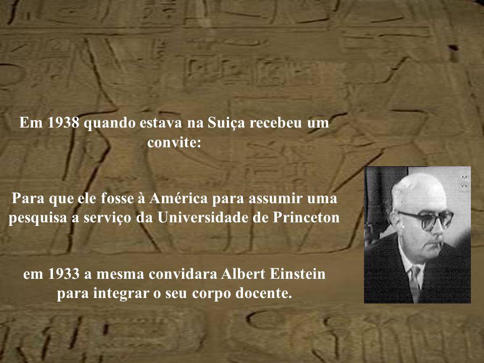 Exilou-se nos Eua entre 1938 e 1946 Adorno pertencia a um grupo de pensadores extremamente sofisticados
