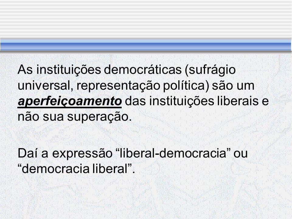 Kelsen: Uma democracia sem opinião pública é uma contradição extrema.