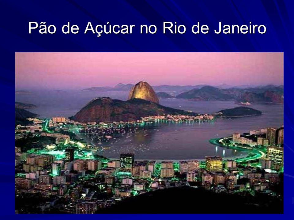 Ocupa quase a metade da América do Sul (47%) e sua população corresponde a aproximadamente 51% da população total desse subcontinente.
