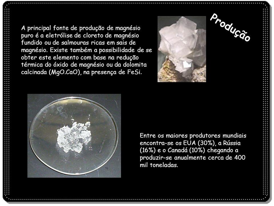 Produção A principal fonte de produção de magnésio puro é a eletrólise de cloreto de magnésio fundido ou de salmouras ricas em sais de magnésio. Exist