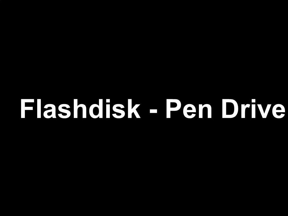 Memória USB Flash Drive, ( Pen Drive ) Também designado como Pen Drive, é um dispositivo de armazenamento constituído por uma memória flash tendo uma fisionomia semelhante à de um isqueiro oumemória flash chaveiro e uma ligação USB tipo A permitindo a sua conexão a uma porta USB de umUSB tipo A computador.
