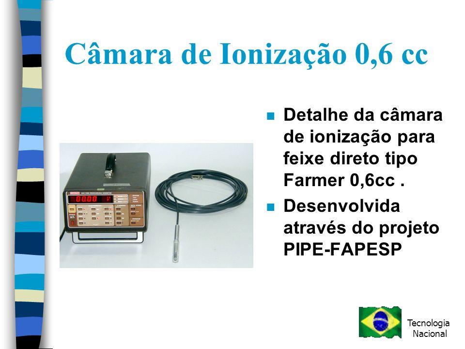 Câmara de Ionização 0,6 cc n Detalhe da câmara de ionização para feixe direto tipo Farmer 0,6cc.
