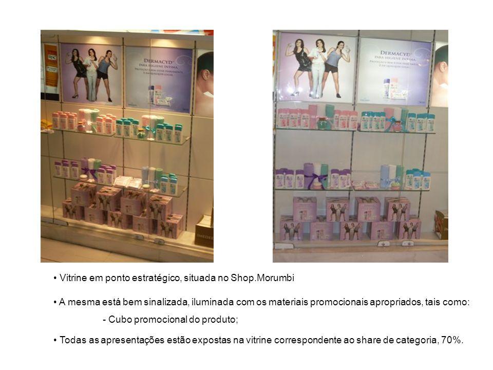 Vitrine em ponto estratégico, situada no Shop.Morumbi A mesma está bem sinalizada, iluminada com os materiais promocionais apropriados, tais como: - C