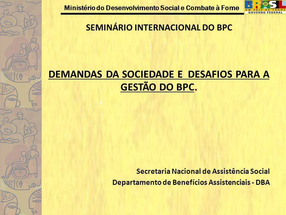 Ministério do Desenvolvimento Social e Combate à Fome Detalhamento das Propostas dos Projetos de Lei Tornar elegíveis para concessão do BPC os portadores de doenças crônicas e degenerativas: Estender o BPC aos portadores de doenças crônicas.(1999,2002,2007) Incluir os portadores de câncer, AIDS e outras doenças terminais.(2003,2007) Estender o benefício assistencial de um salário mínimo aos portadores do Mal de Parkinson.(2004) Incluir no benefício de prestação continuada de um salário mínimo o portador de epilepsia, que comprove sua carência.(2004,2005) Dispor sobre a concessão de benefício assistencial de prestação continuada para pessoa com hiperatividade e epilepsia.(2009) Estender o benefício assistencial de um salário mínimo aos portadores da doença de Alzheimer.(2004,2007) Acrescentar art.
