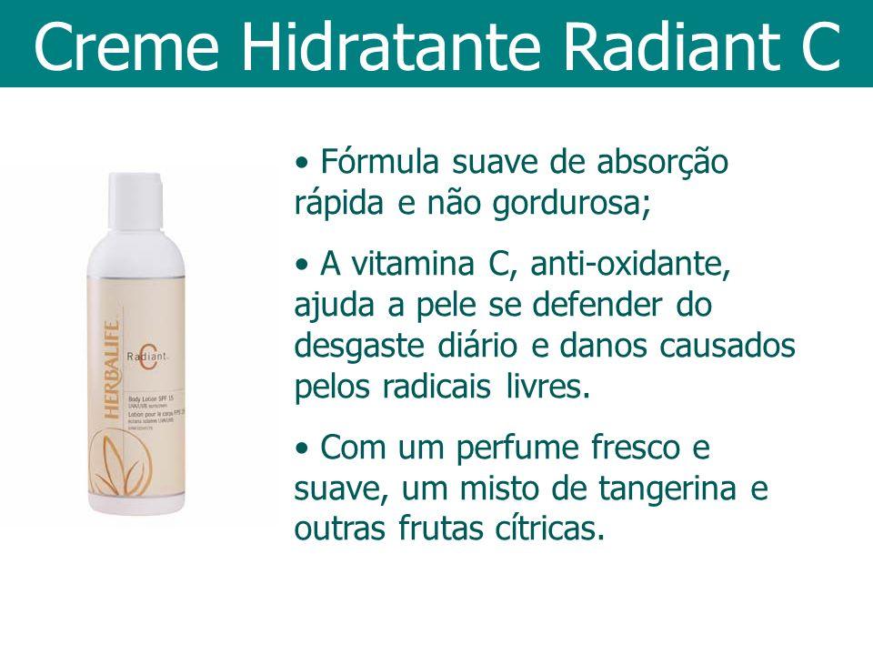 Fórmula suave de absorção rápida e não gordurosa; A vitamina C, anti-oxidante, ajuda a pele se defender do desgaste diário e danos causados pelos radi