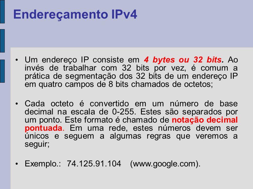 Identificação de rede e uma de host (máquina): A identificação de rede (também conhecida como endereço de rede) identifica os sistemas que estão localizados no mesmo segmento físico de rede na abrangência de roteadores IPs.