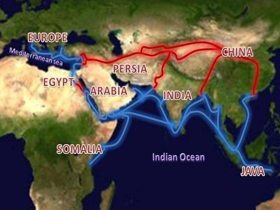 Colombo chegou à América em 1492.Inicialmente acreditava ter chegado nas Índias.