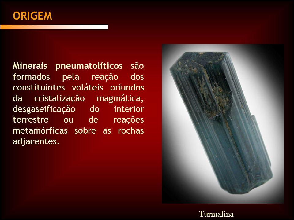 Minerais pneumatolíticos são formados pela reação dos constituintes voláteis oriundos da cristalização magmática, desgaseificação do interior terrestr