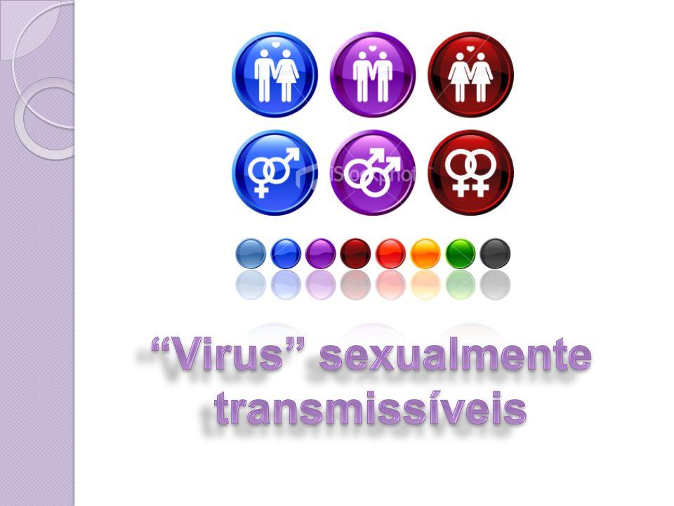 Vírus cujo miolo de RNA tem de, na célula hospedeira, formar uma molécula de DNA, a qual vai presidir a reprodução numerosa de cópias de RNA viral; Exemplo: AIDS.