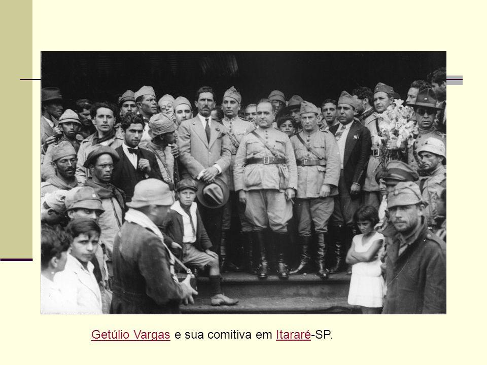 Getúlio VargasGetúlio Vargas e sua comitiva em Itararé-SP.Itararé