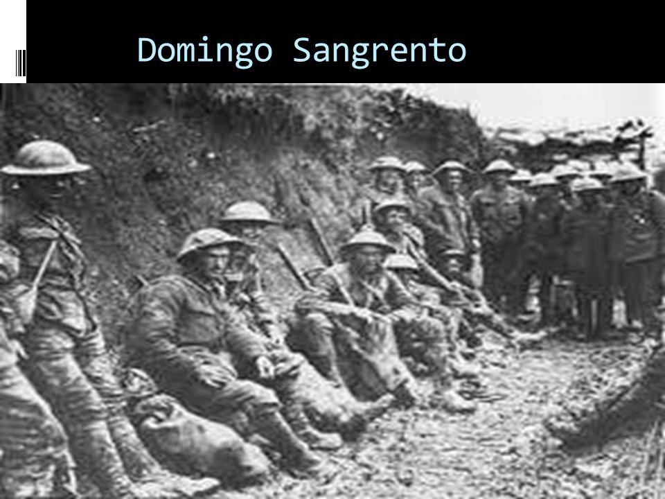 A Rússia entrou na Primeira Guerra Mundial despreparada para uma guerra moderna de longa duração e verdade que seu exército possuía o maior contingente de toda a Europa, mas o comando era ineficiente, não havia apoio logístico, faltavam armas e as táticas de guerra eram ultrapassadas.