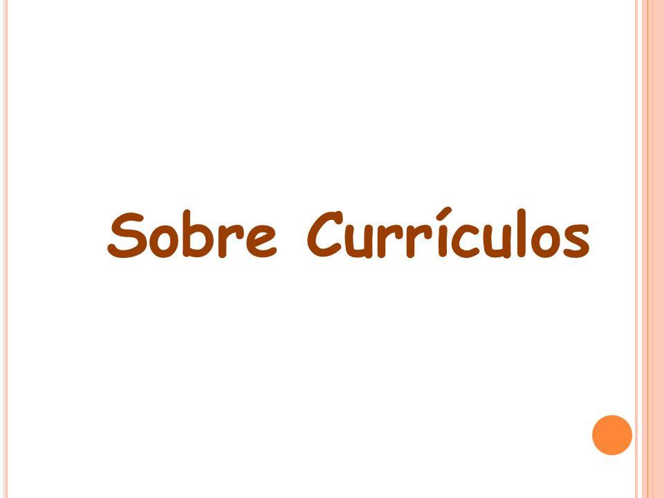 Currículo é uma práxis, (...) expressão da função socializadora e cultural que determinada instituição tem, que reagrupa em torno dele uma série de práticas diversas, entre as quais se encontra a prática pedagógica desenvolvida em instituições escolares que comumente chamamos ensino.