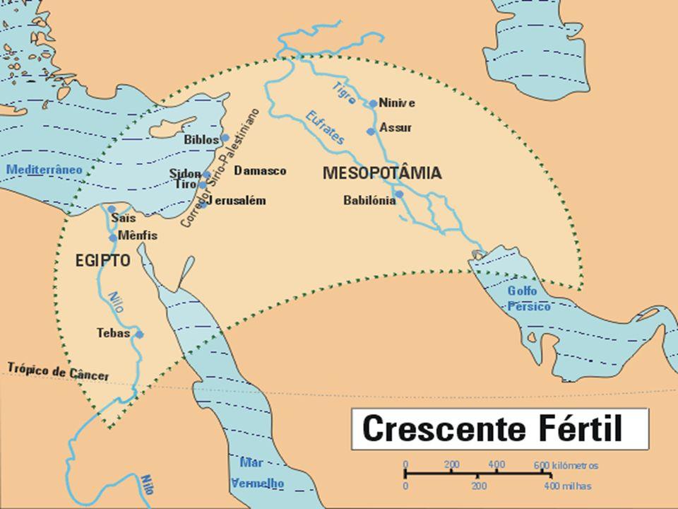 Rio Nilo Toda a região conhecida como EGITO ANTIGO, é abastecida de NORTE a SUL pelo grande rio NILO.