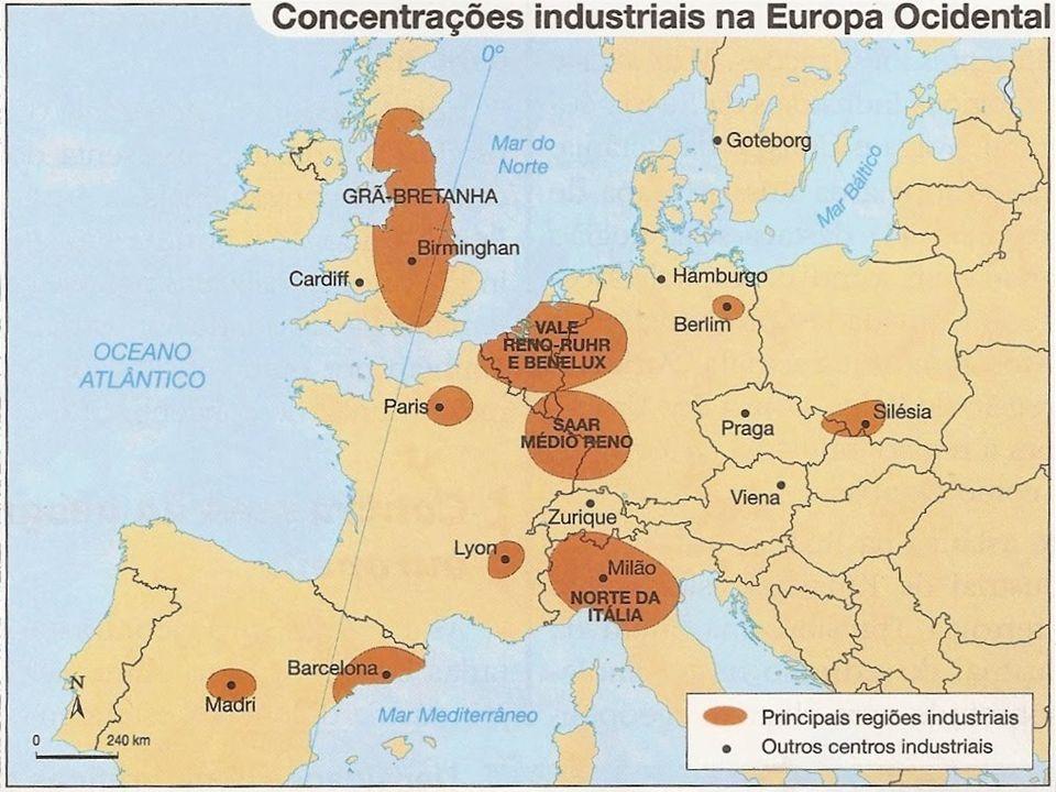 Acúmulo de capitais: os capitais obtidos com a colonização foram investidos nas fábricas. Oferta de mão de obra: devido ao êxodo rural e ao aumento po