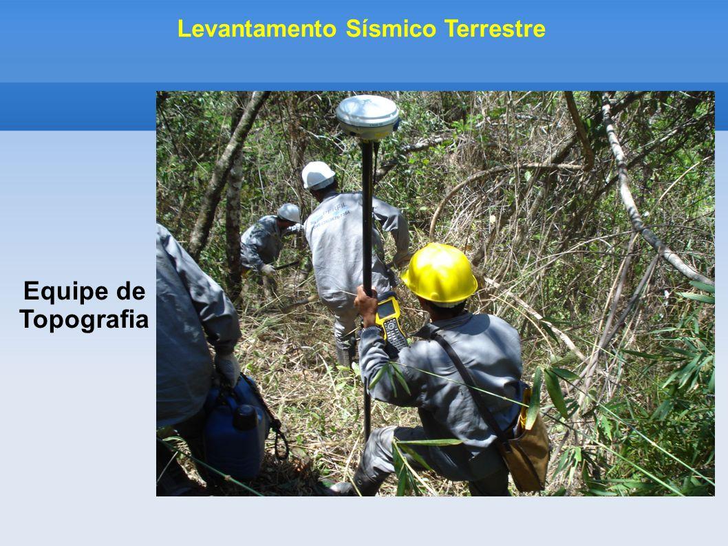 Equipe de Topografia Levantamento Sísmico Terrestre