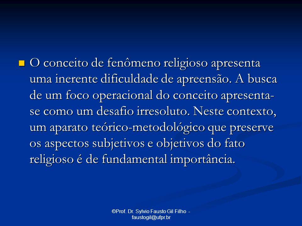 O conceito de fenômeno religioso apresenta uma inerente dificuldade de apreensão. A busca de um foco operacional do conceito apresenta- se como um des